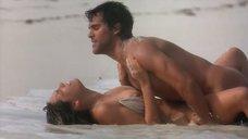 9. Секс с Келли Брук на берегу океана – Секс ради выживания