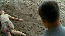 Секс с Яной Есипович на мокром песке