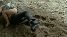 2. Секс с Яной Есипович на мокром песке – Лучшее время года