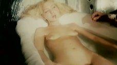 9. Голая Александра Колкунова в ванне – Болотная street, или Средство против секса