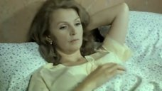 Валентина Титова без лифчика
