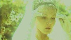 5. Голая грудь Марины Дюжевой – Тень, или Может быть, все обойдется