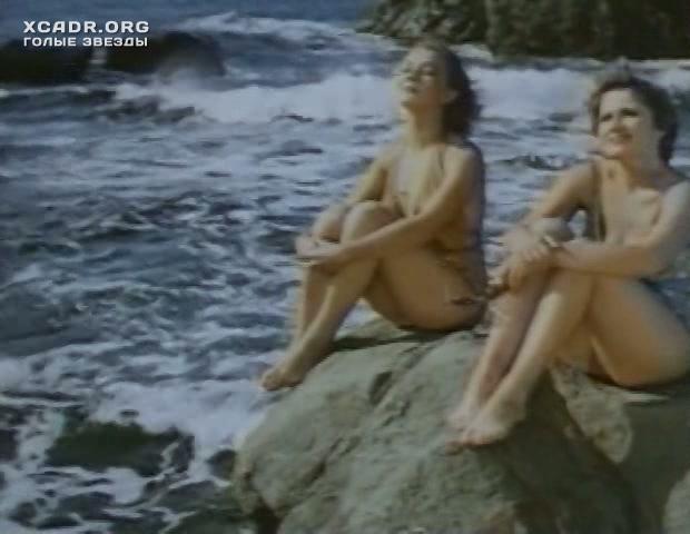 marina-dyuzheva-golie-znamenitosti