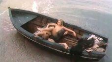2. Обнаженная Марина Майко в лодке – Закат