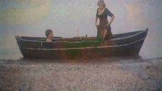 4. Обнаженная Марина Майко в лодке – Закат