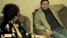 Полуголую Марину Могилевскую выпихивают из квартиры