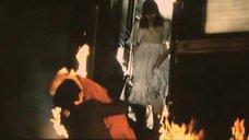 Марина Шиманская спасается с горящего поезда