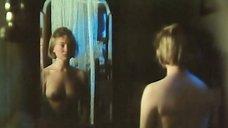 4. Марина Яковлева переодевается перед зеркалом – Далекий голос кукушки