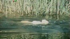 Мариня Яковлева плавает в платье