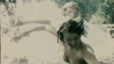 3. Марина Яковлева бегает топлес под бомбами – Снайперы
