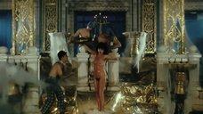 2. Анастасия Вертинская принимает душ – Мастер и Маргарита (Россия)