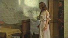 Елена Соловей в прозрачном платье