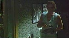 1. Людмила Чурсина в ночнушке – Помнить или забыть