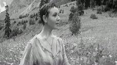 4. Обнаженная Любовь Румянцева у водопада – Альпийская баллада