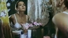 1. Ирина Алферова принимает душ – Высший класс