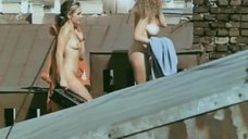 Лариса Бородина загорает голой на крыше