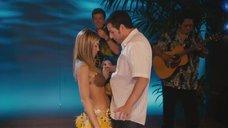 2. Николь Кидман и Дженнифер Энистон в конкурсе с кокосами – Притворись моей женой