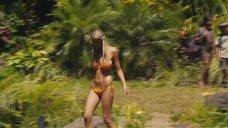 1. Бруклин Декер в купальнике под водопадом – Притворись моей женой