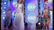 Выступление Жанны Фриске в прозрачном платье