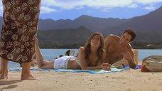 Дженнифер Энистон на пляже