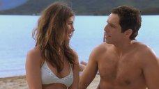 4. Дженнифер Энистон на пляже – А вот и Полли
