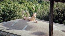 1. Секс с Тильдой Суинтон в бассейне – Большой всплеск