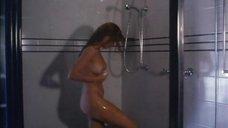 17. Полностью голая Эйприл Богеншуц принимает душ – Игра в полицейских