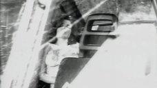1. Большая грудь Джеки Брюн – Обнаженные души