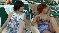2. Дарья Повереннова и Ирина Лачина заигрывают на пляже – Слабости сильной женщины