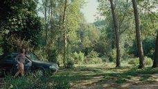 1. Голая Виоланте Плачидо купается в реке – Американец