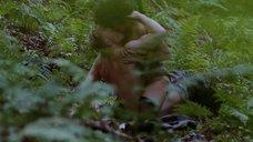 Секс Марго Робби с фашистом в лесу