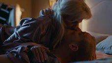 7. Поцелуй с Полиной Максимовой – Завтрак у папы