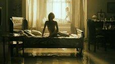 2. Голая грудь Натальи Швец – Знаки любви