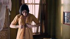 14. Линн Коллинс в прозрачных трусиках – Герб ангелов