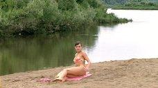 9. Анна Снаткина в купальнике – Заколдованный участок