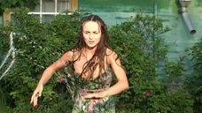 Мокрая красотка Анна Снаткина