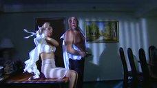 10. Интимная сцена с Татьяной Борисовой – Стервы, или Странности любви