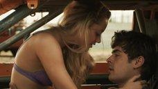 Интимная сцена с Майкой Монро в машине