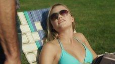Майка Монро в голубом купальнике
