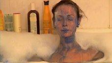 Ольга Погодина принимает ванну