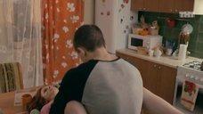 Интим с Ксенией Сурковой на кухонном столе
