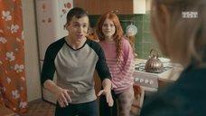 11. Интим с Ксенией Сурковой на кухонном столе – Ольга