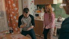14. Интим с Ксенией Сурковой на кухонном столе – Ольга