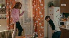 4. Интим с Ксенией Сурковой на кухонном столе – Ольга
