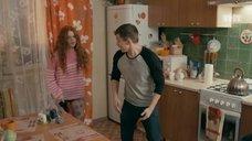 5. Интим с Ксенией Сурковой на кухонном столе – Ольга