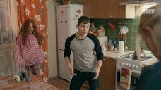 6. Интим с Ксенией Сурковой на кухонном столе – Ольга