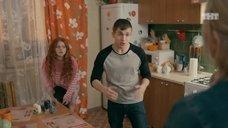 7. Интим с Ксенией Сурковой на кухонном столе – Ольга