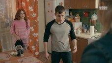 8. Интим с Ксенией Сурковой на кухонном столе – Ольга