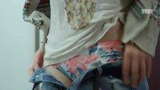 4. Мария Поезжаева снимает штаны – Кризис нежного возраста