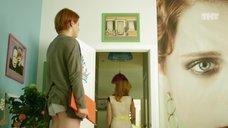 10. Ножки Ксении Сурковой – Кризис нежного возраста